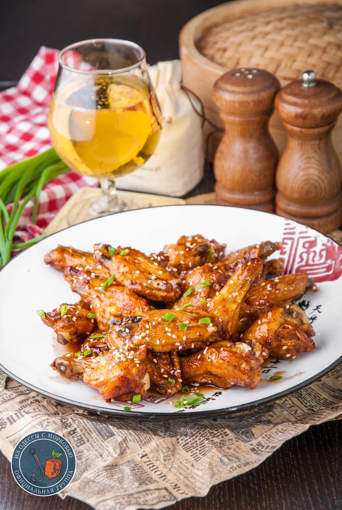 Хрустящие крылья в остро-сладком соусе