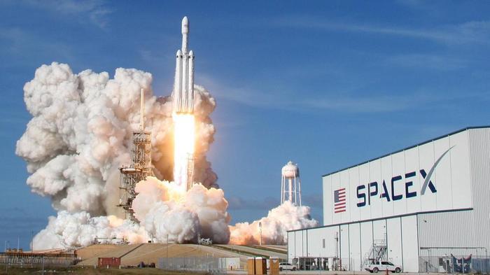 Компания SpaceX получила разрешение на запуск более 7500 интернет-спутников. Космос, Спутниковый интернет, Новости