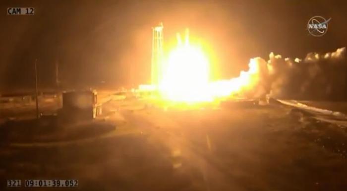 NASA успешно запустило ракету-носитель «Антарес» с грузовым кораблем Cygnus для МКС (видео) Cygnus, Космос, Ракета-Носитель, США, NASA, Антарес, Antares, Northrop Grumman Inc, Видео