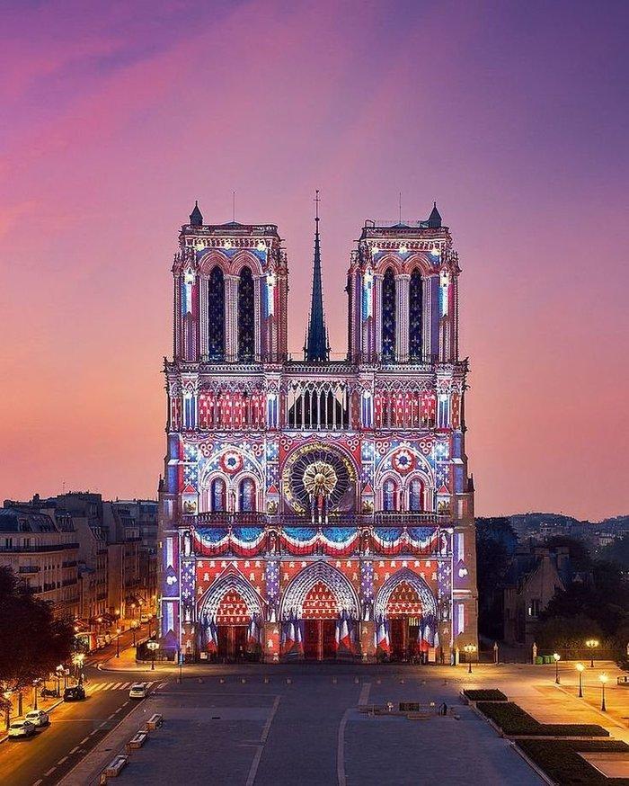 Собор Парижской Богоматери на рассвете