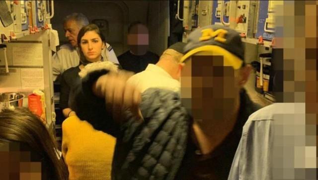 Шаббатное: пассажиры-ультраортодоксы побили стюардессу и пытались ворваться в кабину пилотов Фанатики, Шаббат, Религия, Длиннопост, Самолет, Драка, Евреи