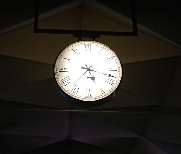 Новые часы на Ленинградском вокзале г. Москва Часы, Юмор, Вокзал, Ржд, И так сойдет, Aliexpress