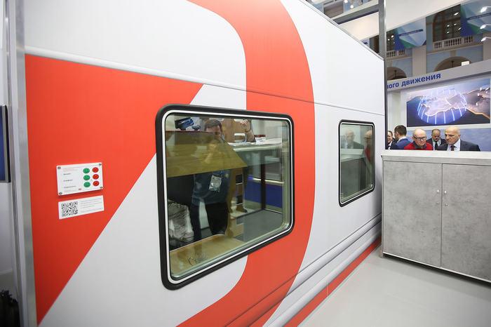 РЖД показала новый плацкартный вагон. Не на картинке, а реальный. РЖД, Поезд, Пассажиры, Плацкарт, Будущее, Выставка, Длиннопост