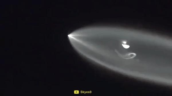 Интересные эффекты во время полета ракет Гифка, Космос, Видео, Ракета, Длиннопост