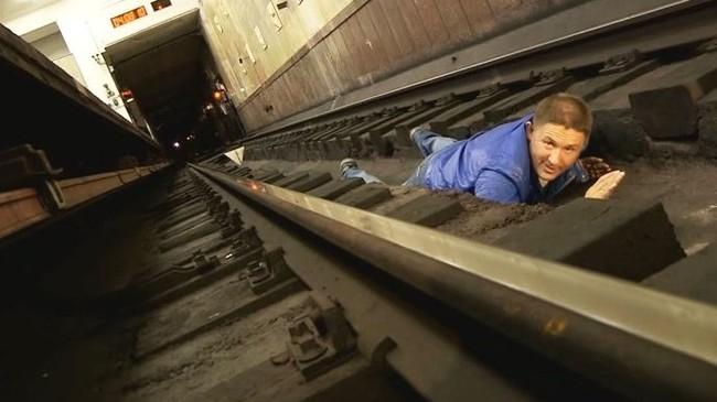 Что делать, если упал на рельсы в метро? Длиннопост, Длиннотекст, Метро, Выживание