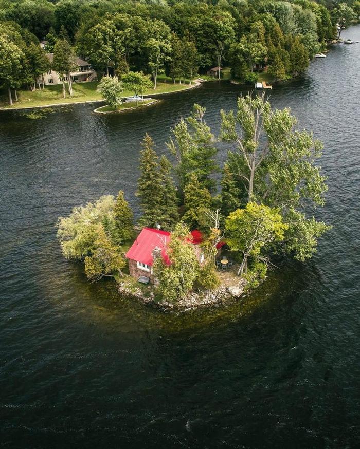 Дом на маленьком острове в Онтарио
