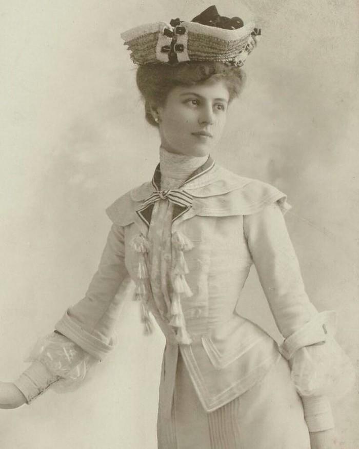 Снимок исторической моды начала 1900-х.