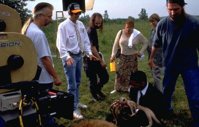 Фотографии со съемок фильмаЛюди в черном 1997 год Фотография, Фильмы, Уилл Смит, Томми Ли Джонс, Люди в черном, Интересное, Длиннопост