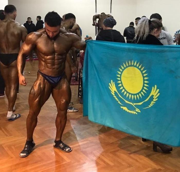 Мангистауский культурист стал чемпионом на международном турнире Спорт, Бодибилдинг, Мангистау, Казахи, Чемпион, Длиннопост
