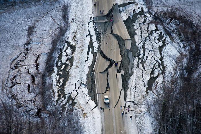 Разрушения от землетрясения в Анкоридже, Аляска. 30 ноября 2018 в 8:20 утра. Аляска, США, Северная Америка, Катастрофа, Землетрясение