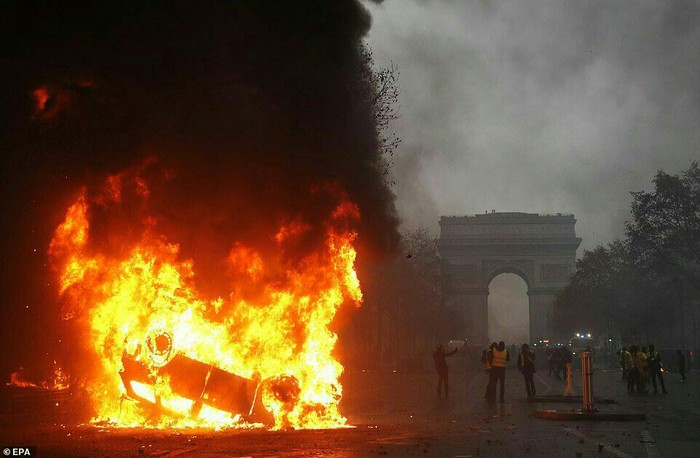 Вчерашний Париж Париж, Франция, Длиннопост, Погром, Пожар, Политика, Протест
