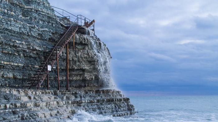 Лестница на круче Круча, Геленджик, Черное море, Canon, Фотография, Скалы, Лестница, Облака, Длиннопост