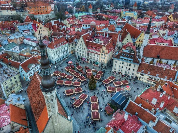 Рождественская ярмарка в Таллине Рождество, Таллин, Ярмарка, Старый город, DJI Mavic PRO, Дрон
