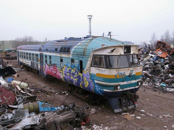 Дизелюха уходит на покой Железная Дорога, Дизель-Поезд, ДР1А, Эстония, Длиннопост, Фотография, Металлолом