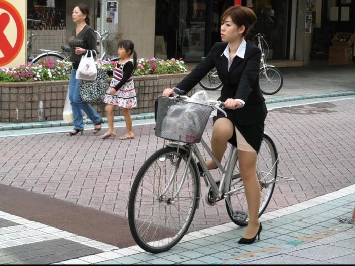 Женщинам КНДР запретили велосипеды Велосипед, Китай, Запрет, Женщина за рулем, Текст