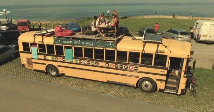 Семья с ребенком живет в старом автобусе. Дом, Дом на колесах, Путешествия, Длиннопост, Видео