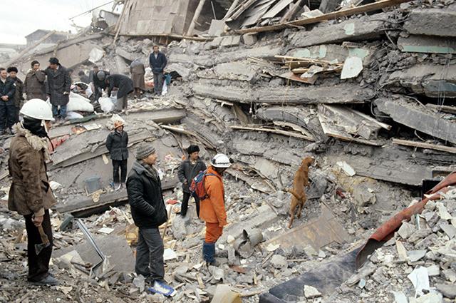 30 лет назад в Армении произошло мощнейшее землетрясение Землетрясение, Армения, СССР, Длиннопост