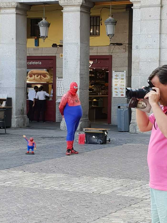 Спайдермен уже не тот. Мадрид, Фото на тапок, Длиннопост, Человек-Паук