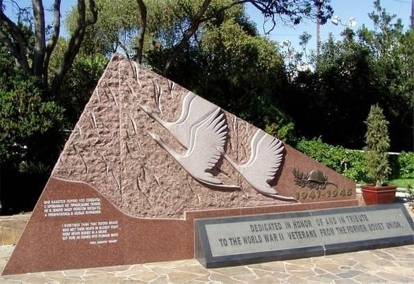 В Голливуде в 2005 году установлен памятник советским солдатам Великой Отечественной войны США, Памятник, Война, Ветераны, Длиннопост