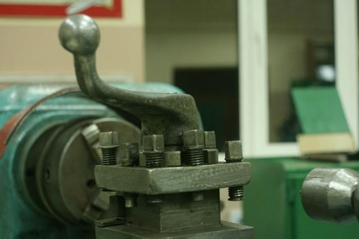 Токарные станки 1А62 и 1и611п.1А62 уже можно считать музейным экспонатом из-за его возраста. Завод, Токарный станок, Станок, Фотография, Производство, Интересное, Познавательно, Техника, Длиннопост
