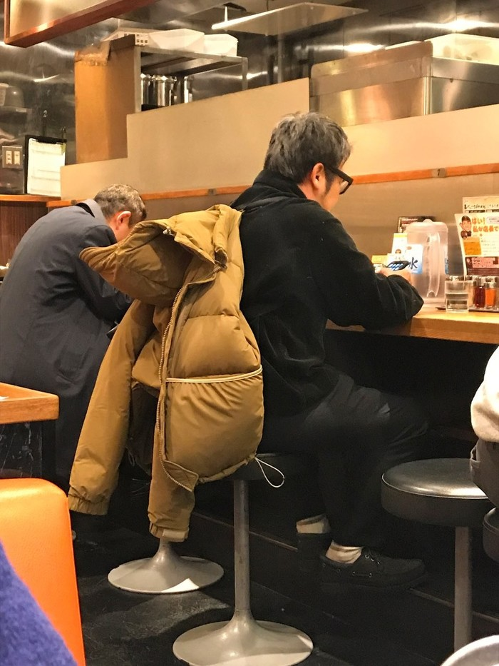 Варежки на резинках это прошлый век Япония, Интеллект, Куртка