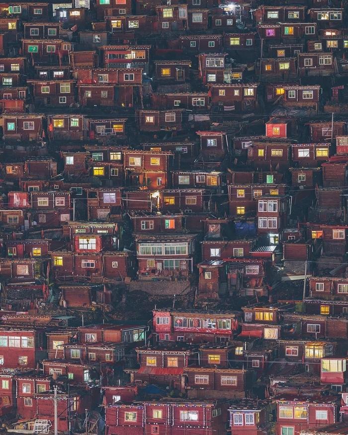 Человеческий муравейник Буддизм, Ларун Гар, Строение, Монастырь, Длиннопост, Китай, Сычуань