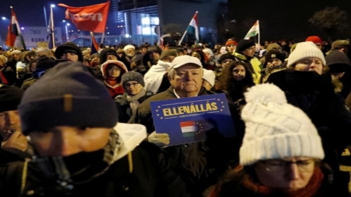 Протесты в Венгрии - появились политические требования Новости, Митинг, Будапешт, Протест, Венгрия, Политика, Мир
