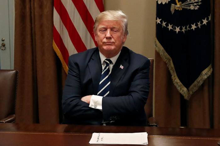 Дональда Трампа раскритиковали за решение вывести американских военных из Сирии Общество, Политика, США, Трамп, Критика, Сирия, Военные, Интерфакс
