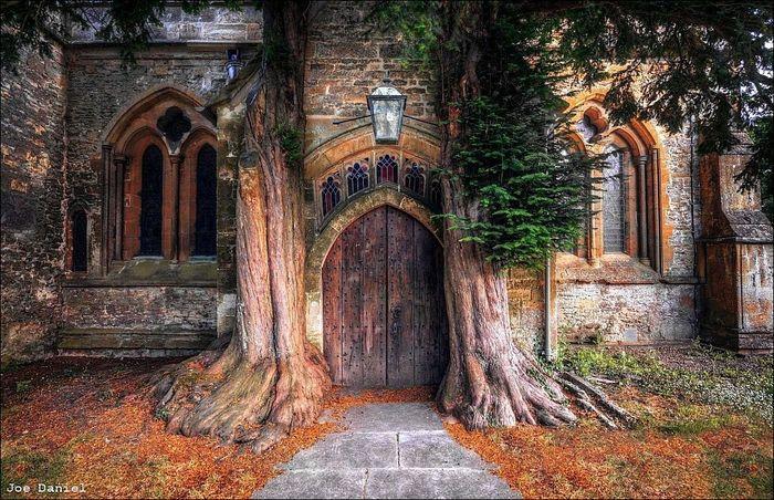 Приходская церковь Святого Эдуарда в Глостершире, Англия