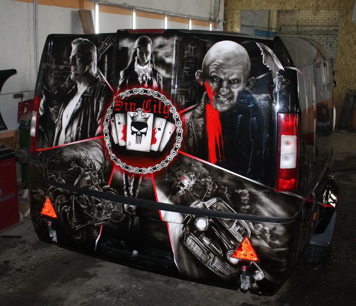 """Прицеп в теме """"Sin City""""для тюменского любителя мотоциклов(много фото) Аэрография, Город грехов, Длиннопост, Фильмы, Прицеп, Прицеп Сталкер"""