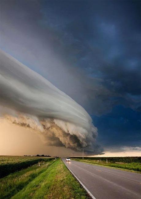 Как много можно увидеть в этой облачной формации