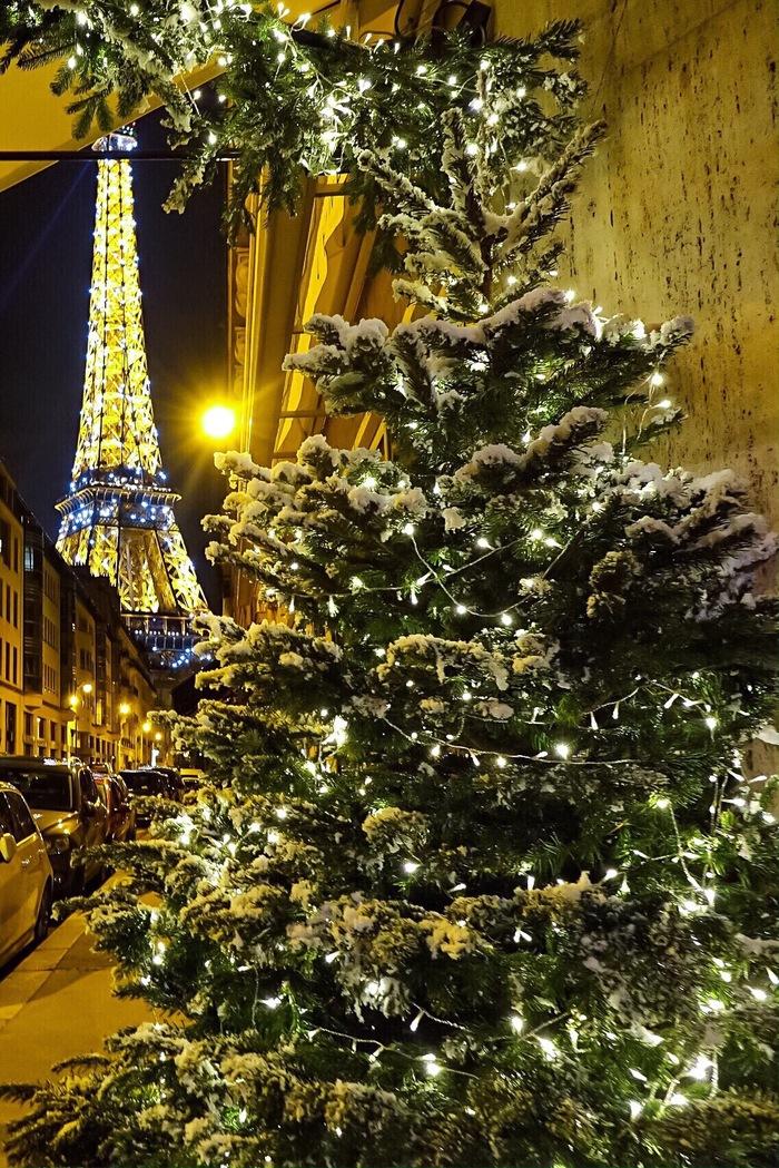 Ночь в Париже.