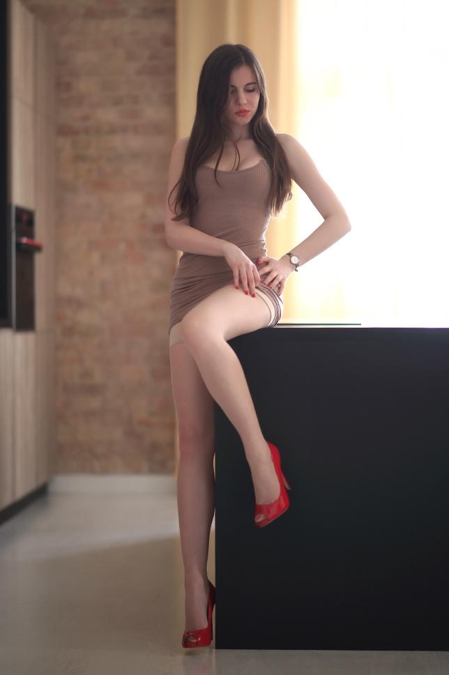 Чулочки и красные туфли Платье, Красивая девушка, Обтягивающее, Чулки, Ноги, Длиннопост, Ariadna Majewska