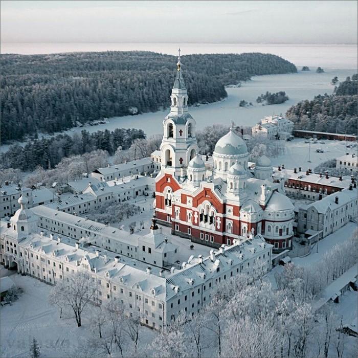 Валаамский Спасо-Преображенский монастырь вКарелии.