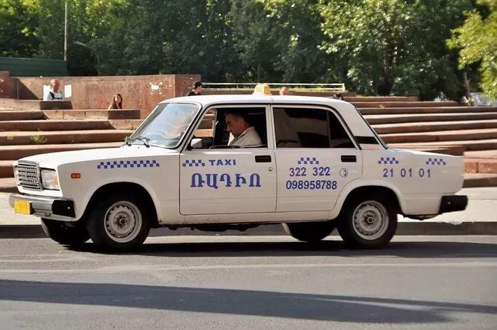 Диалог в армянском такси Армения, Россия