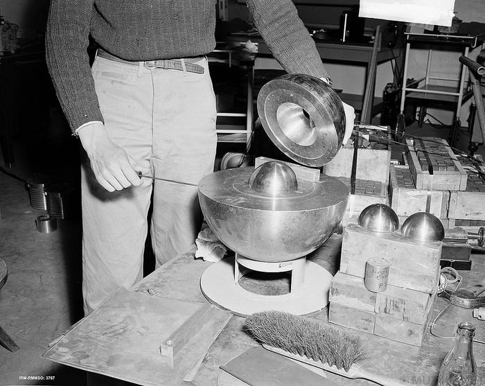 Заряд-демон: как третья ядерная бомба, предназначенная для Японии, убила известных американских учёных Ядерная бомба, Эксперимент, Физика, История, США, Наука, Трагедия, Длиннопост