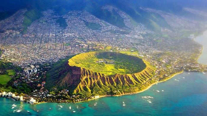 Кратер на острове Оаху (Гавайи)
