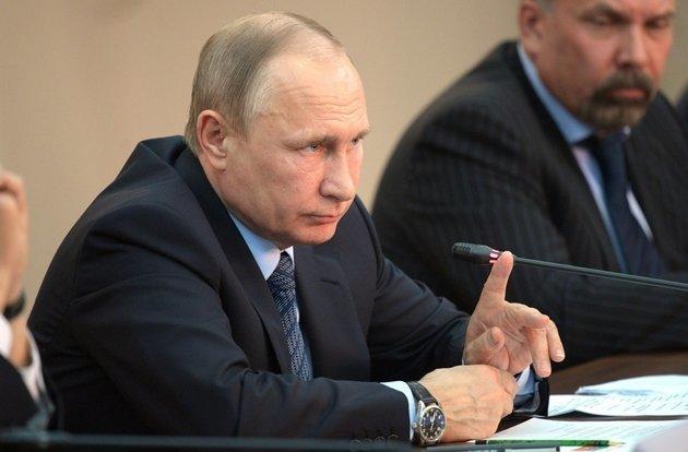 Путин запретил детям участвовать в митингах Путин, Запрет, Наконец-То, Несовершеннолетние, Митинг, Закон, Политика