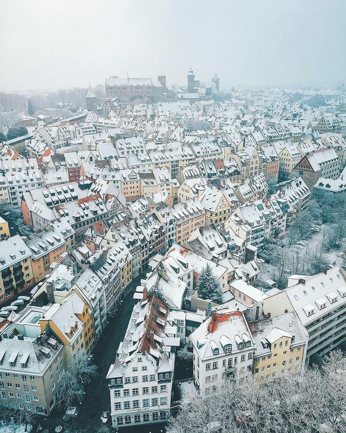 Снежный Нюрнберг, Германия