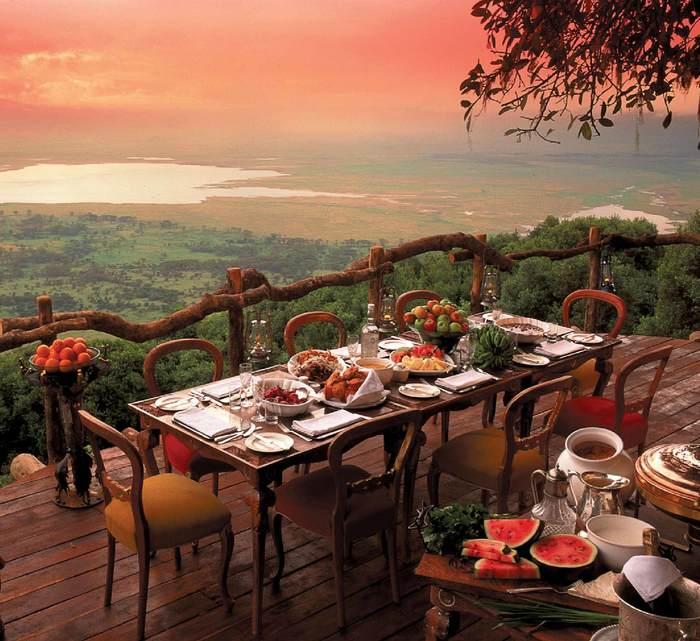 Где-то в Танзании Танзания, Закат, Ужин, Стол