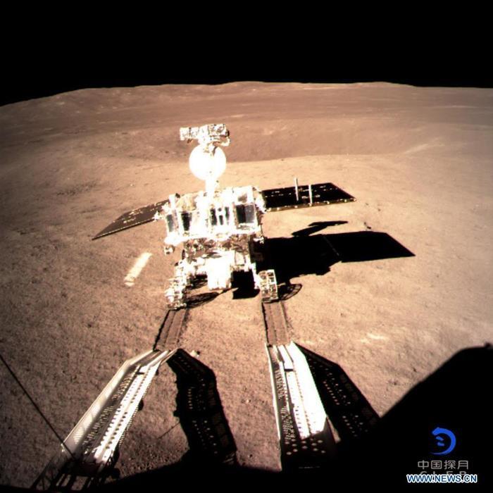 "Китайский луноход ""Юйту-2"" отделился от станции ""Чанъэ-4"" Луна, Китай, Обратная сторона луны, Чанъэ-4, Юйту-2, Космос, Техника, Технологии"