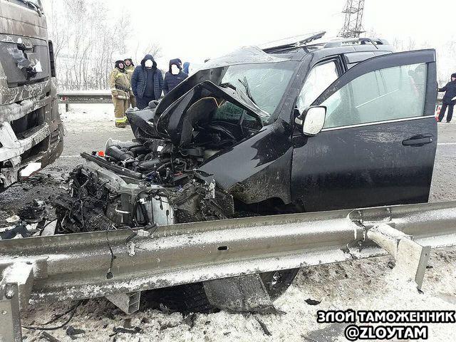 Начальник Сибирской оперативной таможни разбился насмерть Таможня, Авария, ДТП, Смерть, Самара, Трагедия, Грузовик, Toyota