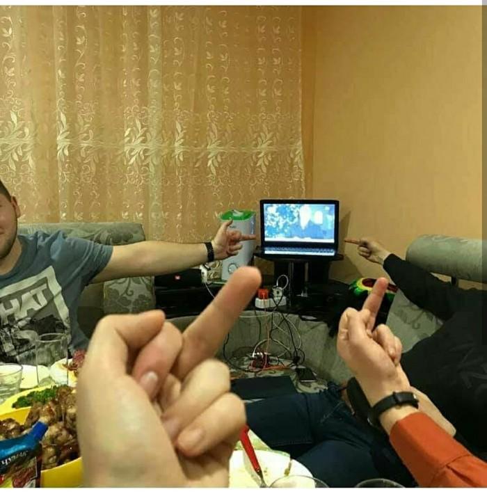Народная любовь она такая... Украина, Новый Год, Президент, Народ, Длиннопост, Fuck, Порошенко, Средний палец