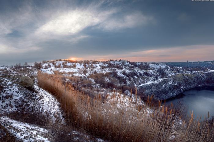 Редкий проблеск солнца) Фотография, Пейзаж, Карьер, Зима, Снег, Солнце, Просторы