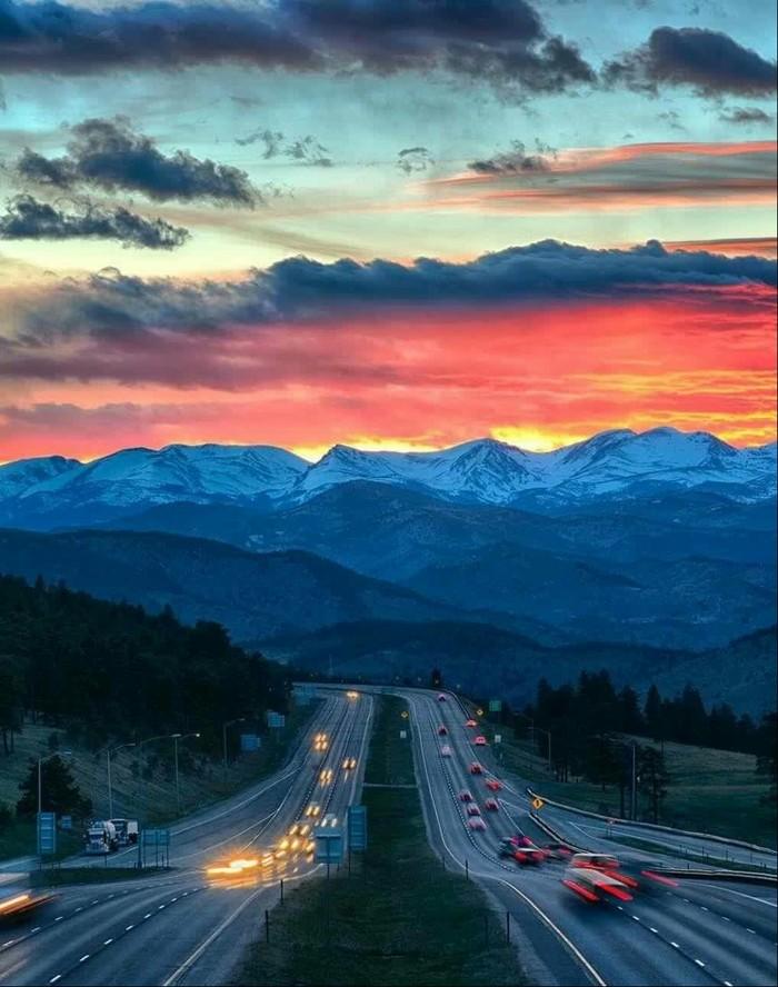 Рассвет в Денвере, Колорадо
