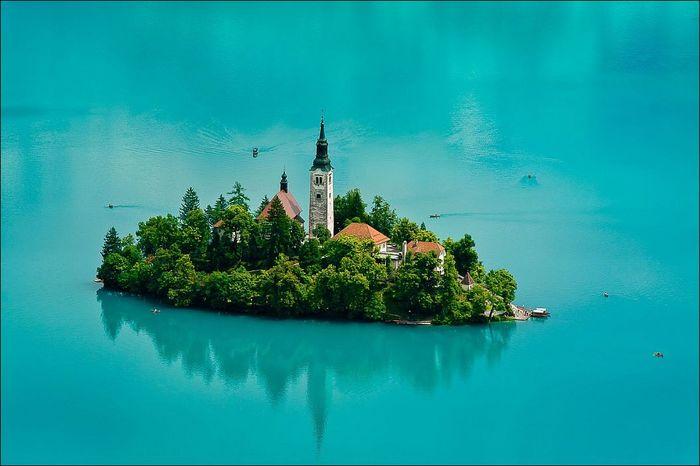 Занимательная география: Бледская церковь Блед, Словения, География, Церковь, Замок, Длиннопост