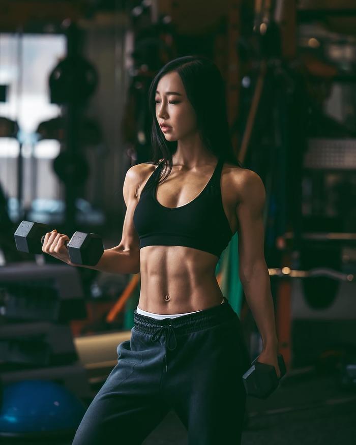 Cui Lina (@cui_lina) Cui Lina, Крепкая девушка, Фитоняшка, Азиатка, Фотография, Девушки, Красивая девушка, Спортивные девушки, Гифка, Видео, Длиннопост