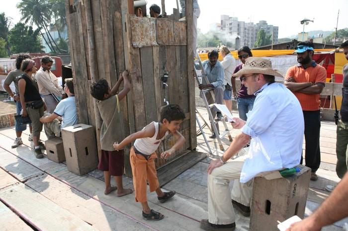 Фотографии со съёмок и интересные факты к фильмуМиллионер из трущоб 2008 год Дэнни бойл, Дев патель, Миллионер из трущоб, Знаменитости, Фото со съемок, Интересное, Длиннопост, Индийское кино