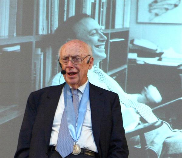 Нобелевского лауреата лишили почетных званий за сомнения в уме чернокожих Негр, Ученые, Новости