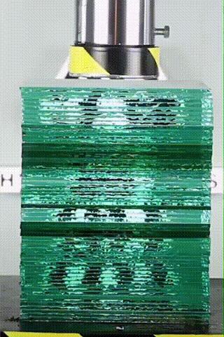 Гидравлический пресс и стекло